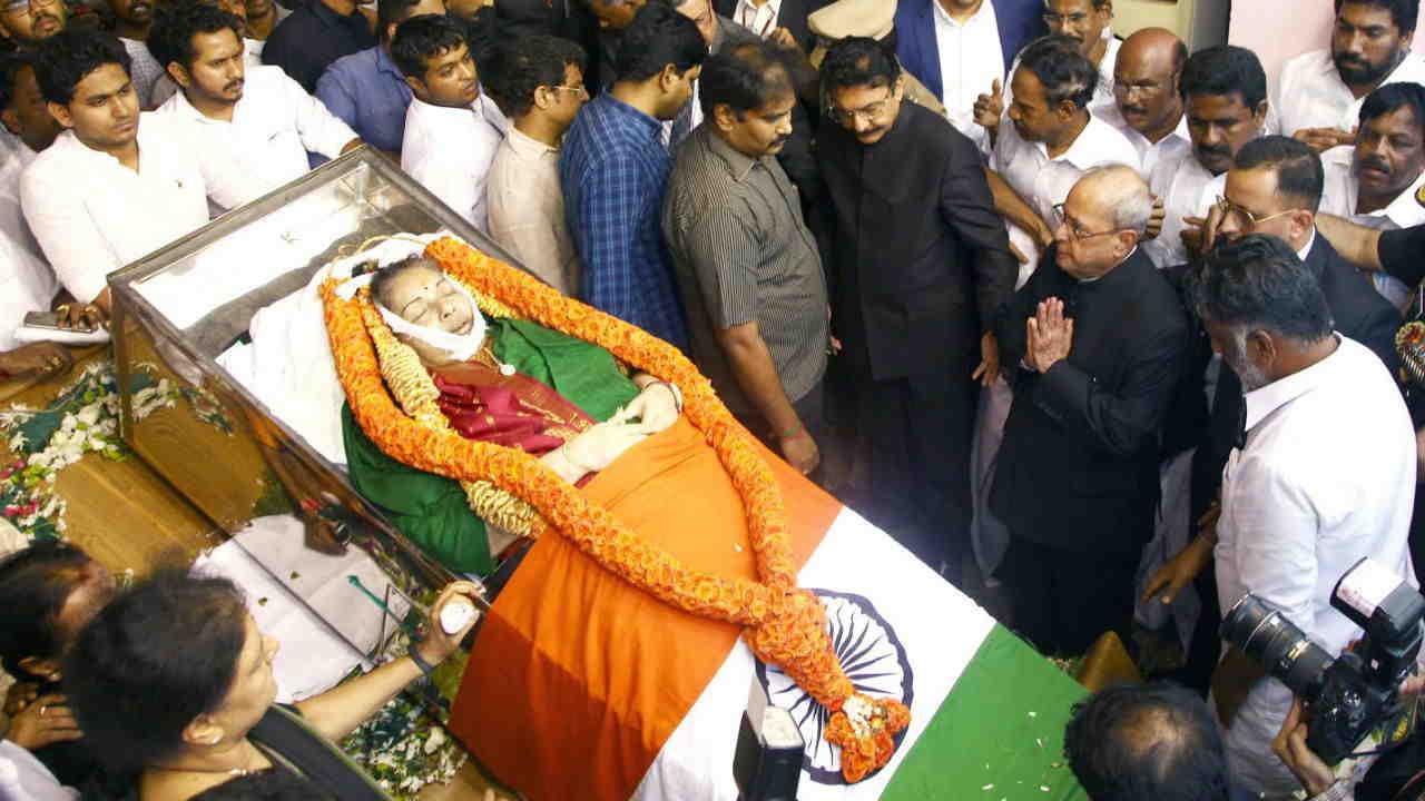 Tamil Nadu CM announces judicial probe into Jayalalithaa's death