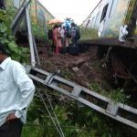 9 coaches, engine of Mumbai-bound Duronto Express derail near Asangaon, no casualties