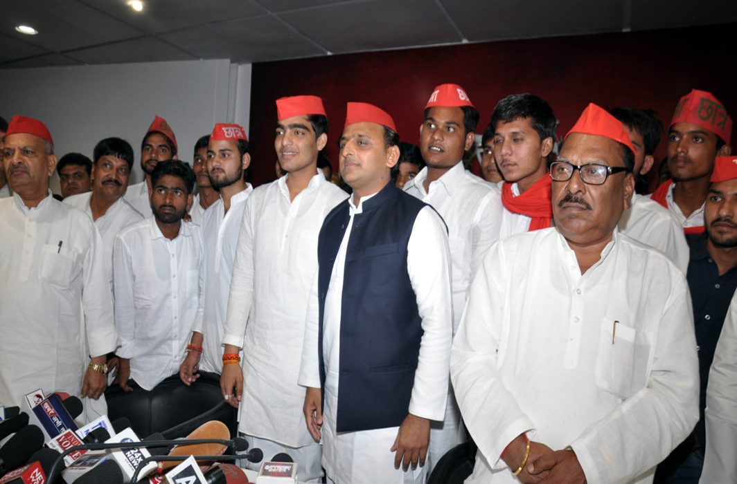 TOGETHER WE STAND: Samajwadi Party president Akhilesh Yadav with newly elected Allahabad University union members at party office in Lucknow, UNI