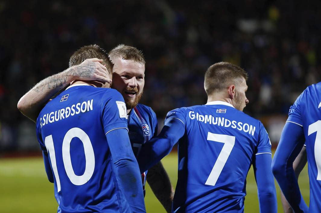 Iceland surprises football fans, becomes smallest nation to qualify for World Cup - 1