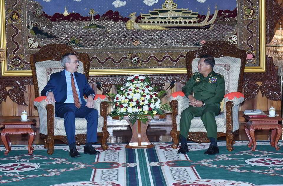 Myanmar army chief downplays exodus, says Rohingya Muslims not native