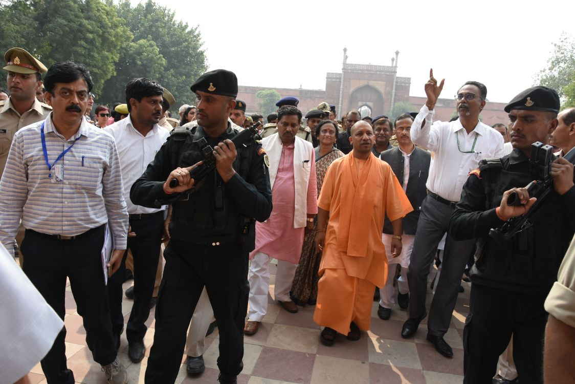 Yogi at Taj Mahal
