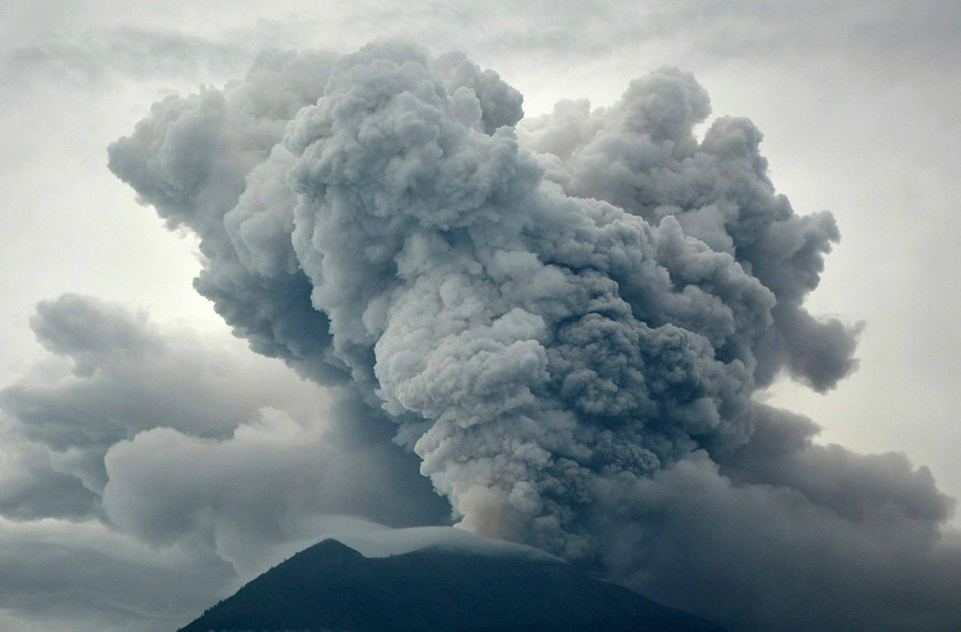 BOOM: Eruption of Mount Agung as seen from Kubu village in Karangasem, Bali, Indonesia, Reuters/UNI