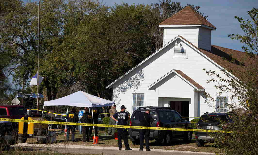 TEXAS, AFTER VEGAS: Law enforcement officials investigate a mass shooting at the First Baptist Church in Sutherland Springs, Texas, US, Reuters/UNI