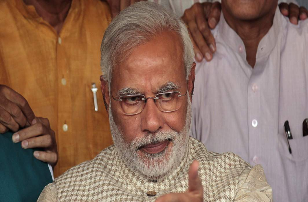 Guj polls: War of words escalates, Modi says Rahul propagating Grand Stupid Thoughts