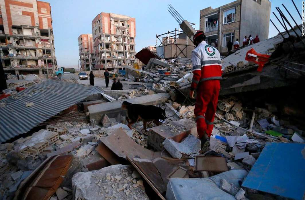 Iran-Iraq quake death toll reaches 445