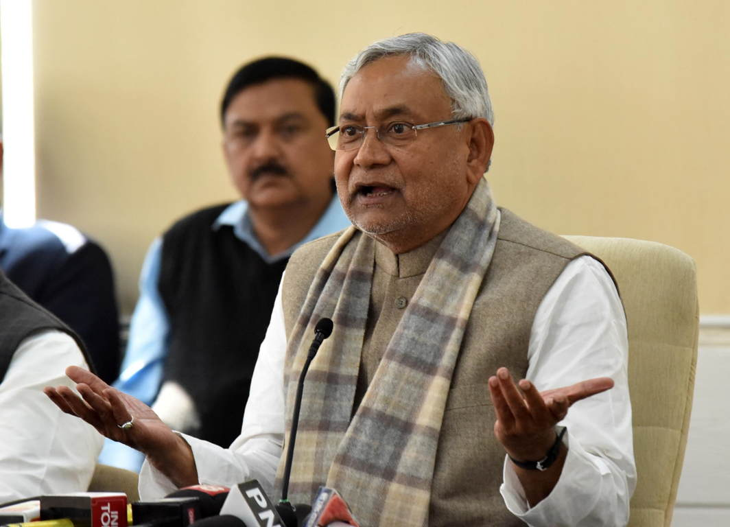 THE INDIGNANT CM: Bihar Chief Minister Nitish Kumar addresses a press conference in Patna, UNI