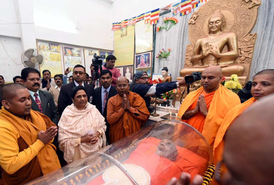 HISTORIFIED: BSP supremo Mayawati pays tribute to 90-year-old Sri Lankan Buddhist Monk Pragyanand who passed away on Friday; Pragyanand was one of the seven monks who at the age of 27, initiated Dalit leader BR Ambedkar into Buddhism in 1956, in Lucknow, UNI
