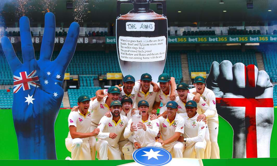OURS AGAIN: Australia's captain Steve Smith holds the Ashes trophy next to teammates after they won the fifth Ashes cricket test match and the series 4-0, at SCG, Sydney, Reuters/UNI