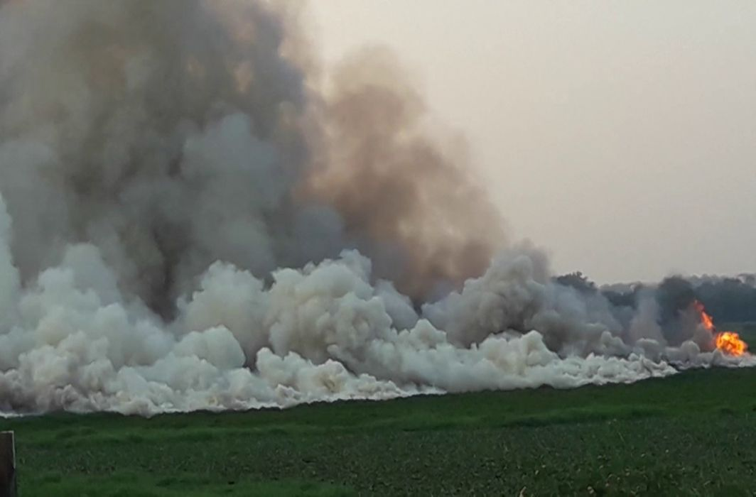 Bengaluru's Largest Lake Bellandur Goes Up In Flames Again As Pollution Goes Unchecked