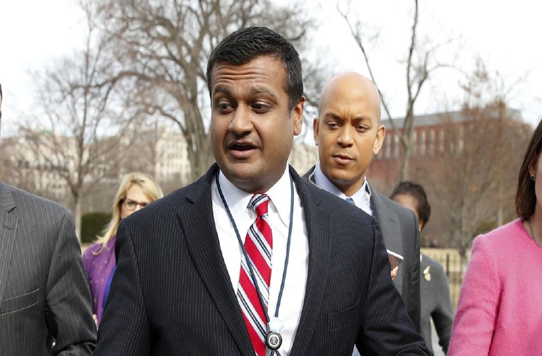 Indian-origin Raj Shah to fill in for White House Press Secretary