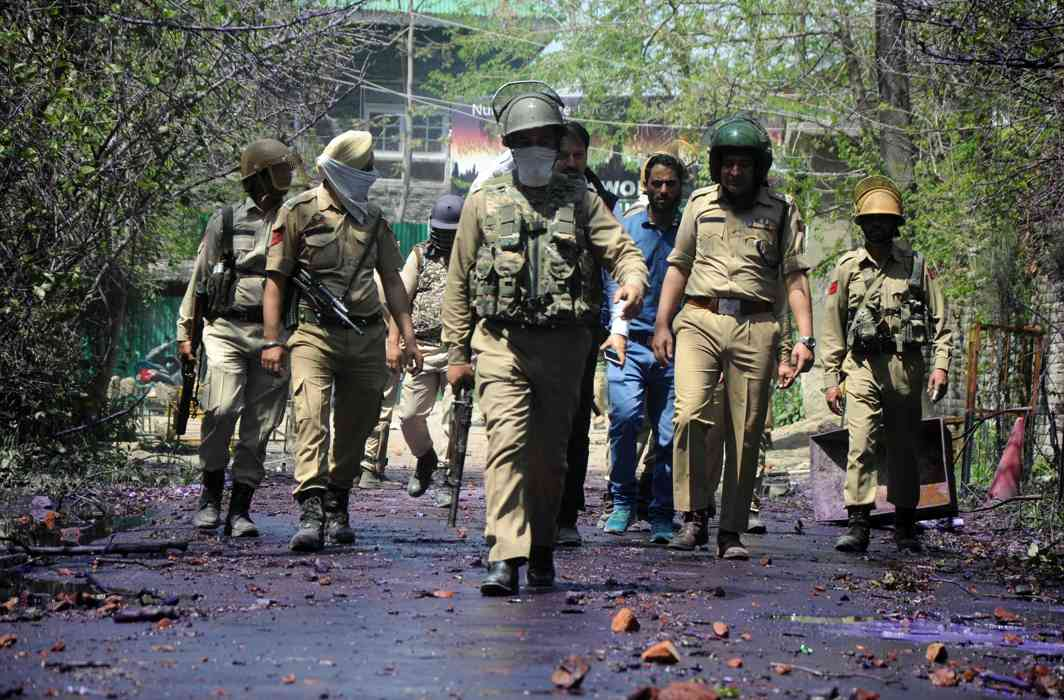 """Shopian firing: Soldiers opened """"controlled fire in self-defence"""", says Army"""