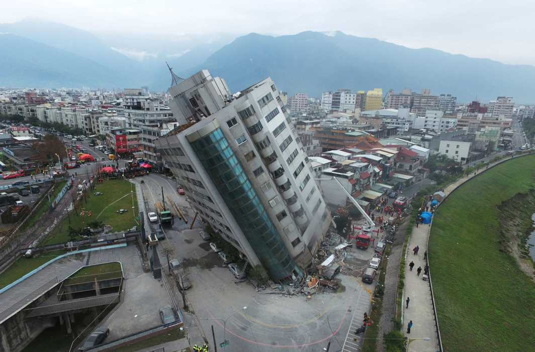 Massive 6.4 quake hits Taiwan causing hotel to collapse