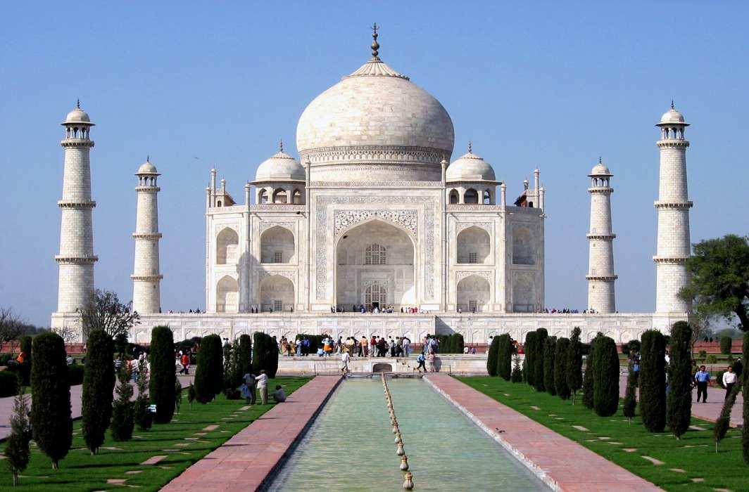 Taj Mahotsav to centre on Ram; BJP MP backs fake history of Taj being Hindu temple