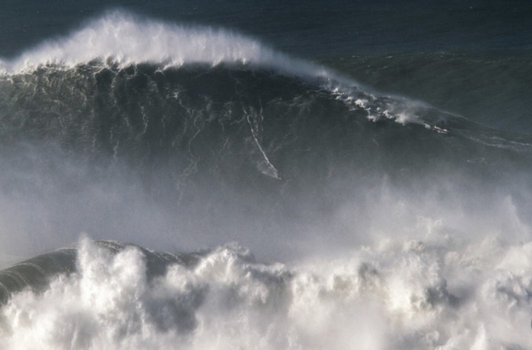 8-storey building high sea wave sets the record for largest ever recorded in Southern Hemisphere