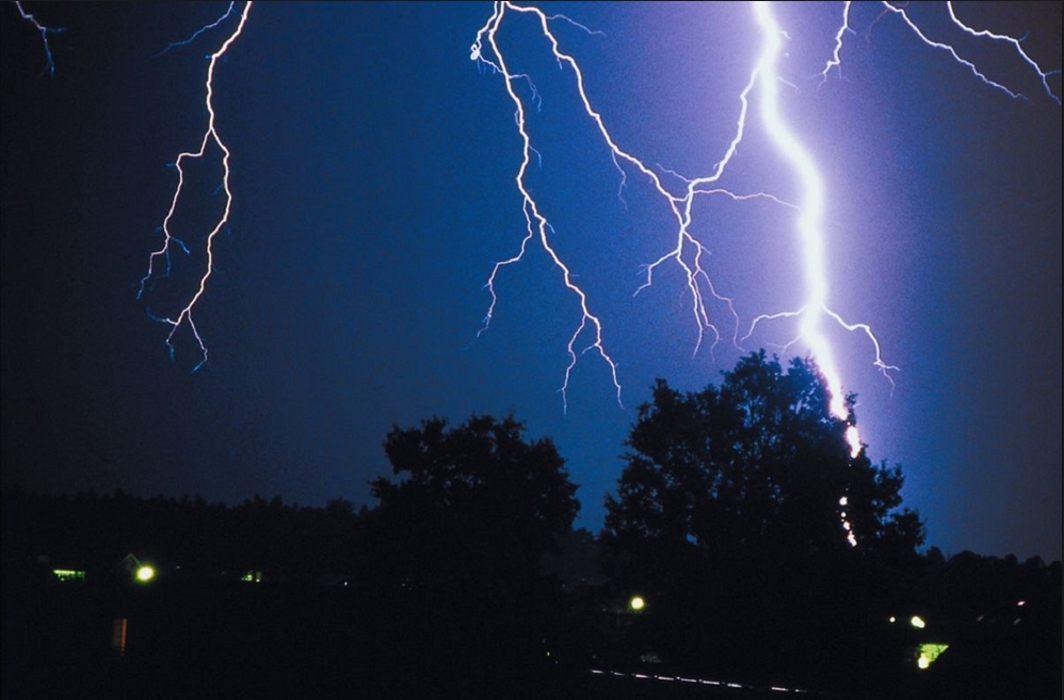 monsoon breaks over kerala thunderstorms lightning kill scores in
