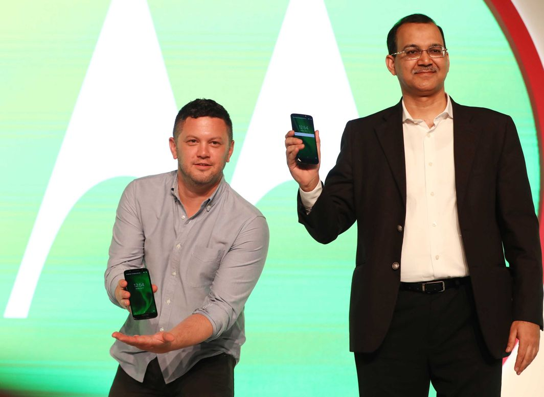 Shashank Sharma, ED, Motorola, launches Motorola's new mobile handsets Moto g6 and g6 Play, in New Delhi, UNI