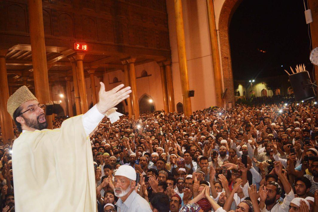 Mirwaiz Moulvi Umar Farooq addresses a Shab-i-Qadr gathering at historical Jamia Masjid in Srinagar, UNI