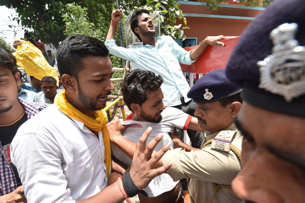 BTech degree holders clash with police during their protest march demanding jobs in Bihar State Electricity Board, in Patna, UNI