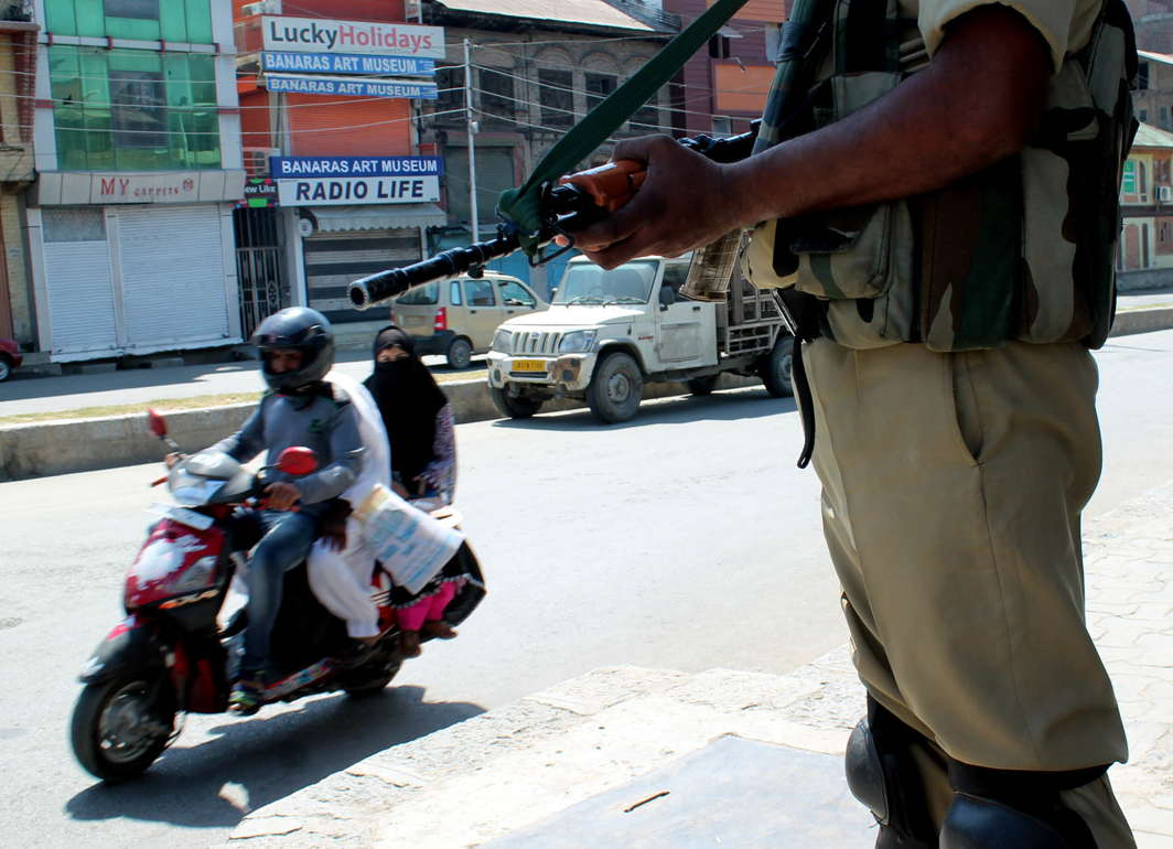 A security personnel keeps vigil at Nowhatta as shops and business establishments remain closed in Srinagar and other parts of Kashmir valley amid a general strike called by separatist groups, UNI