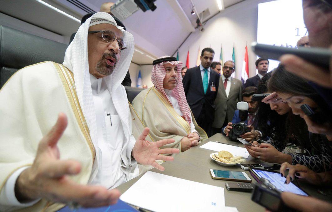 Saudi Arabia's Oil Minister Khalid al-Falih talks to journalists at the beginning of an OPEC meeting in Vienna, Austria, Reuters/UNI