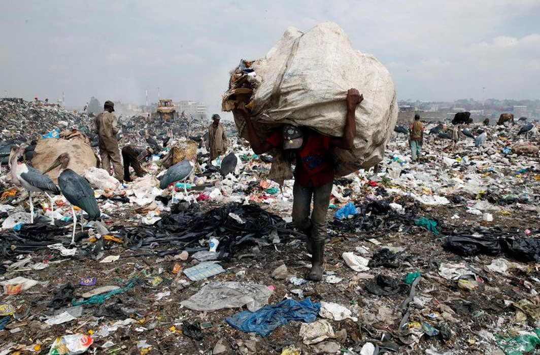 Plastic ban in Maharashtra comes into force, Rs 25,000 fine, 3 months jail for repeat offenders