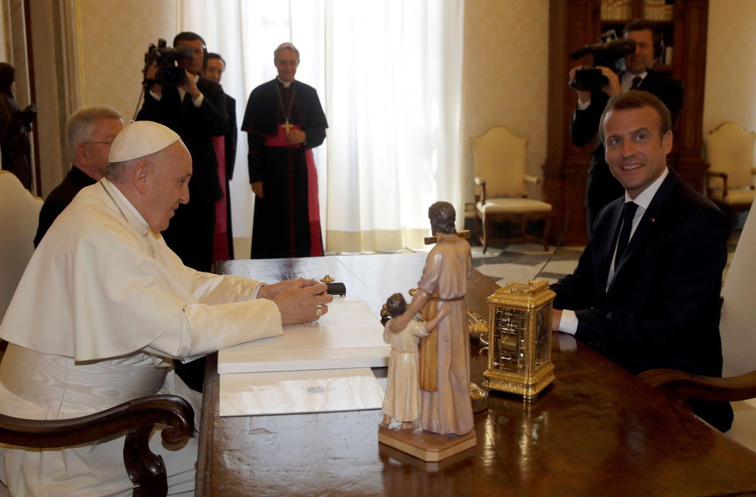 Pope Francis meets French President Emmanuel Macron during private audience at the Vatican, Alessandra Tarantino/Reuters/UNI