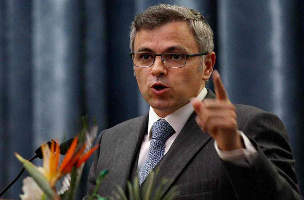 Omar Abdullah criticize Congress on Modi-Nawaz relations