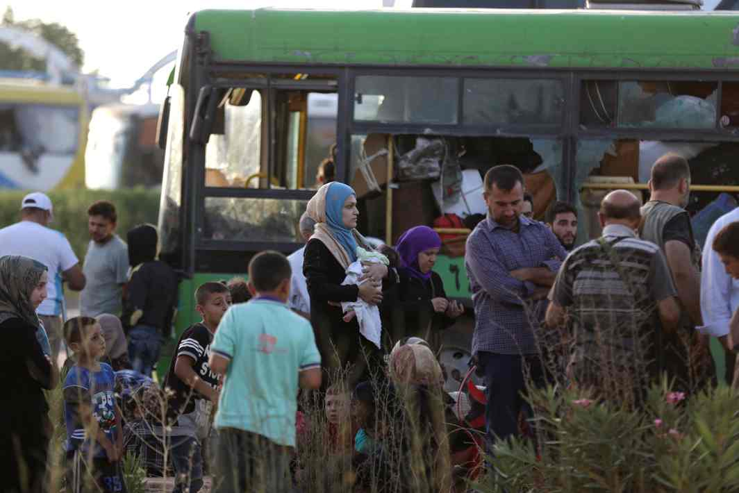 People evacuated from the villages of al-Foua and Kefraya, Syria, Reuters/UNI