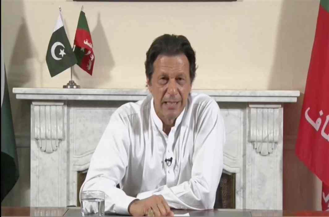 Imran Khan poised to become Pak PM, though party 22 short of majority