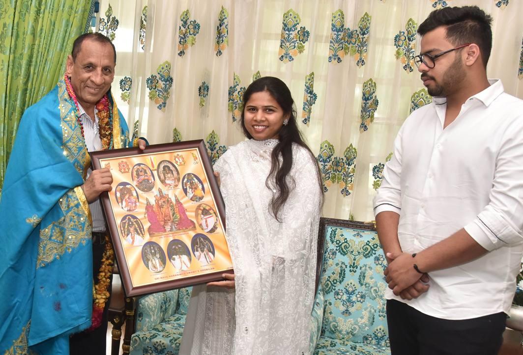 Andhra Pradesh Tourism Minister Bhuma Akhila Priya calls on Andhra Pradesh and Telangana Governor ESL Narasimhan at Raj Bhavan in Hyderabad, UNI
