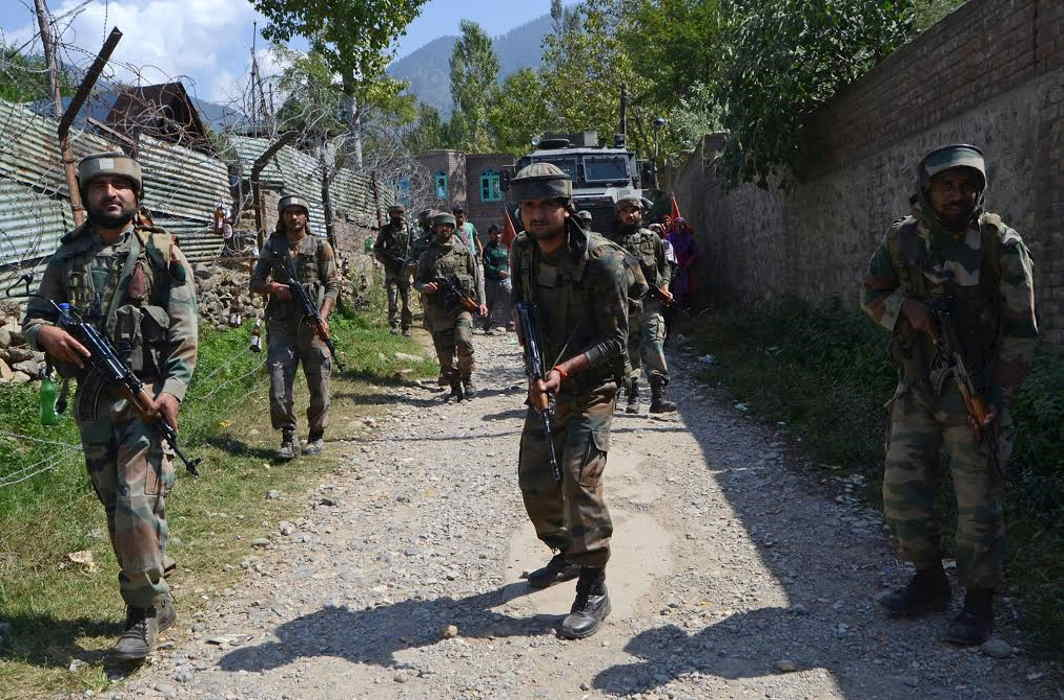 One SOG personnel killed, 3 personnel injured in J & K encounter