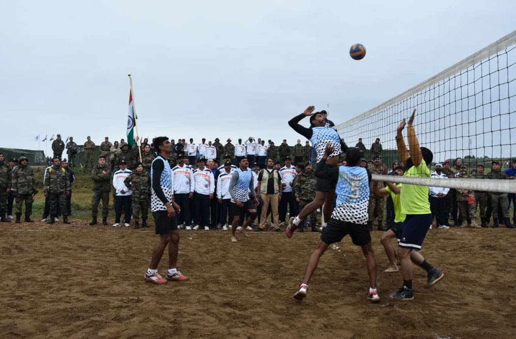 Indian army wins friendly volleyball match against Pak army