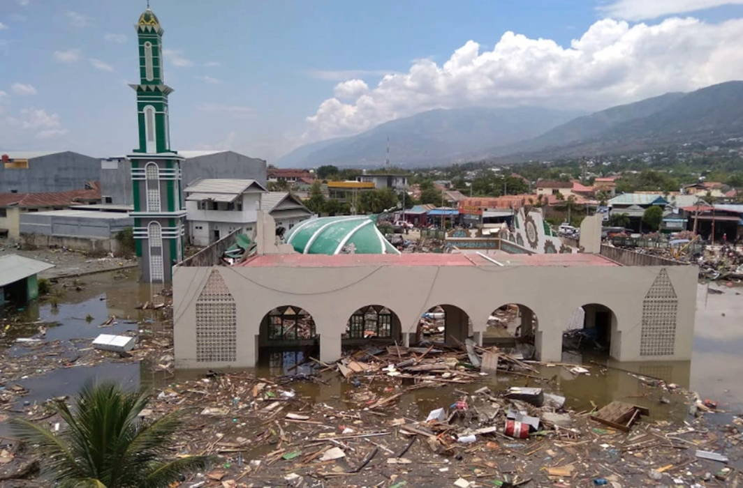 Indonesia: Earthquake-Tsunami Kills 400, Injures Over 500