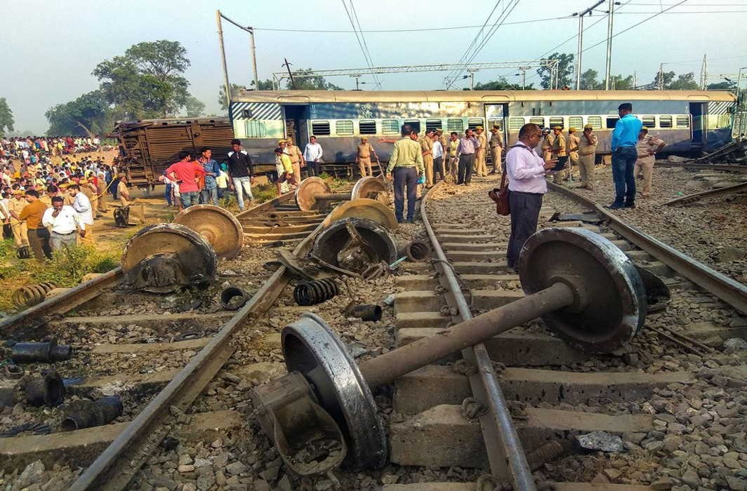 Seven dead as New Farakka Express derails near Raebareli, PM Modi condoles deaths
