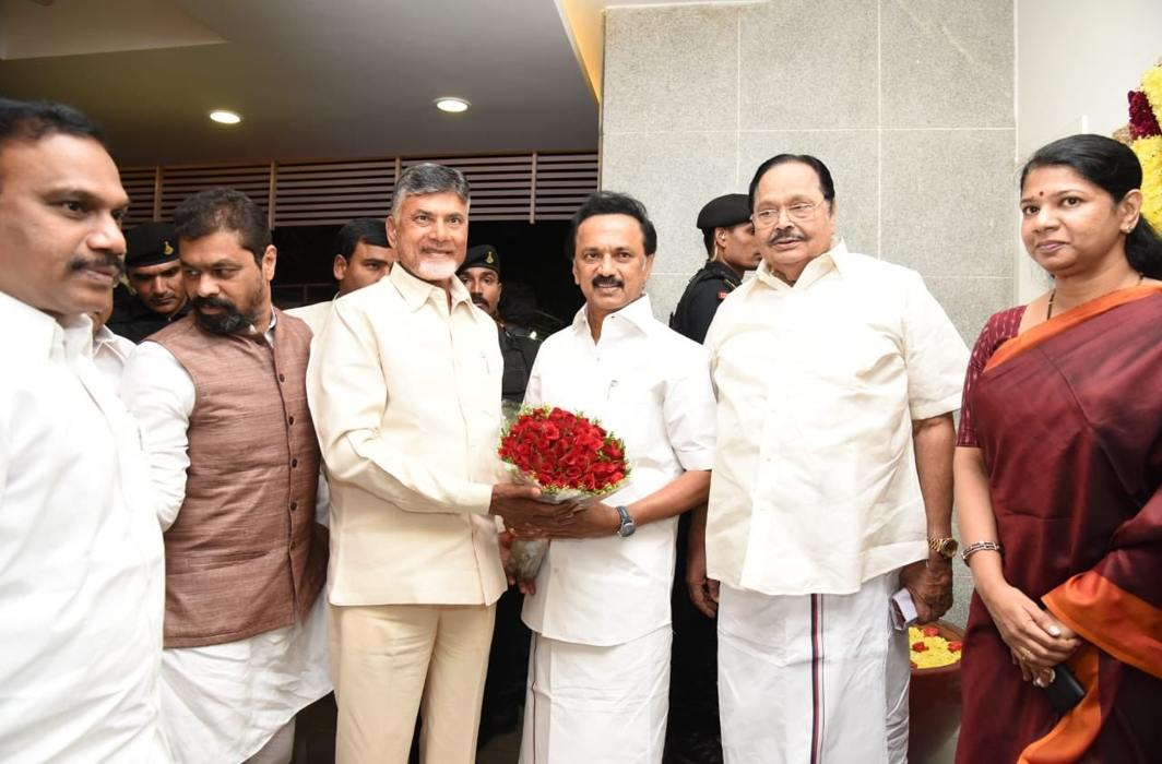 Andhra CM Chandrababu Naidu building anti-BJP alliance in south