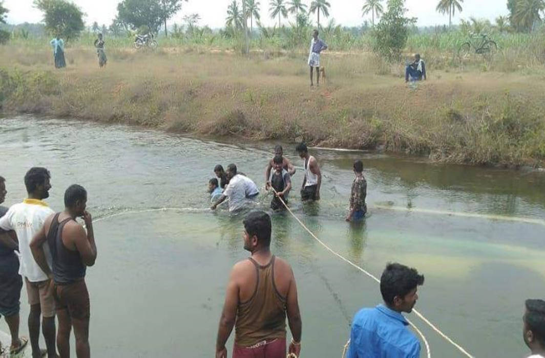 At least 28 dead after bus plunges into canal in India