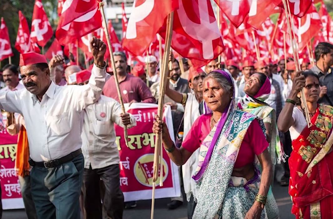 Tens of thousands of farmers arrive in Delhi again to protest Modi govt policies
