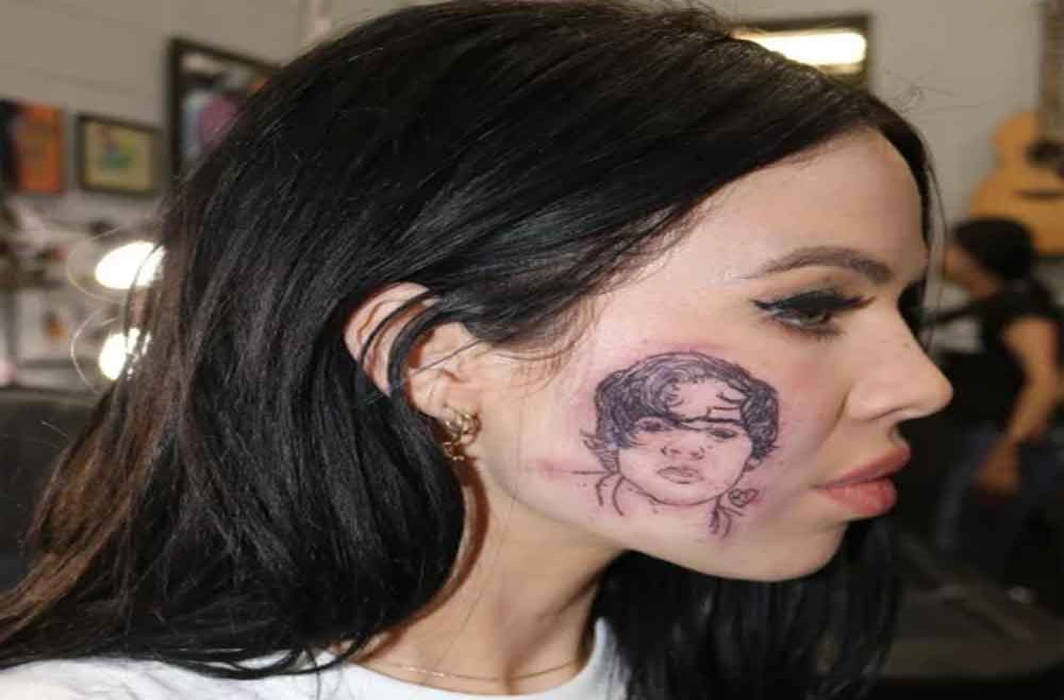 Kelsy Karter gets Harry Styles' face tattooed on her cheek