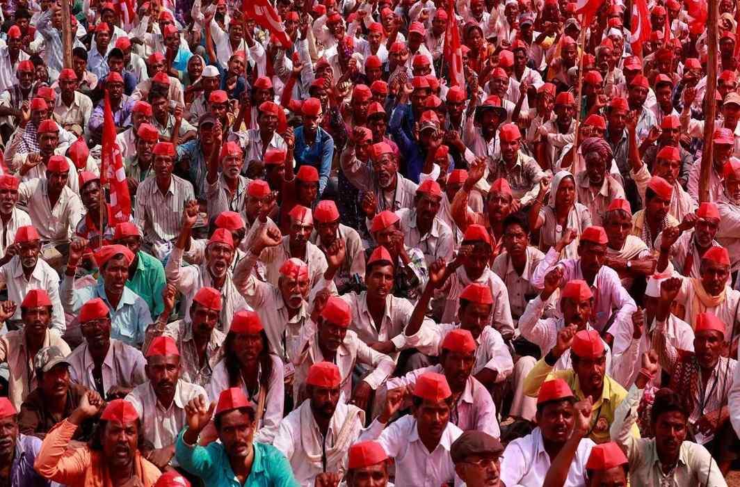 Maharashtra farmers protest