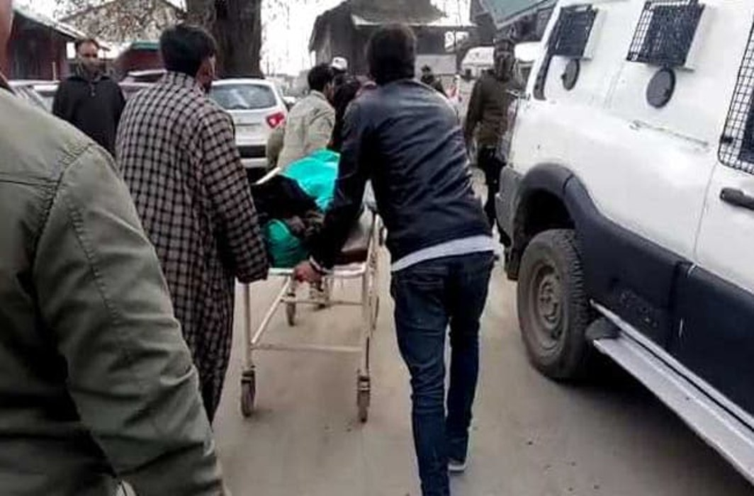 Woman Special Police Officer shot dead in Jammu & Kashmir's Shopian