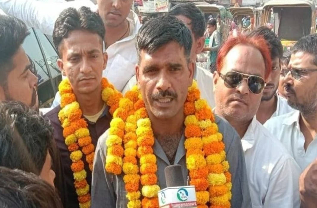 Tej Bahadur to approach SC as EC cancels his Varanasi nomination