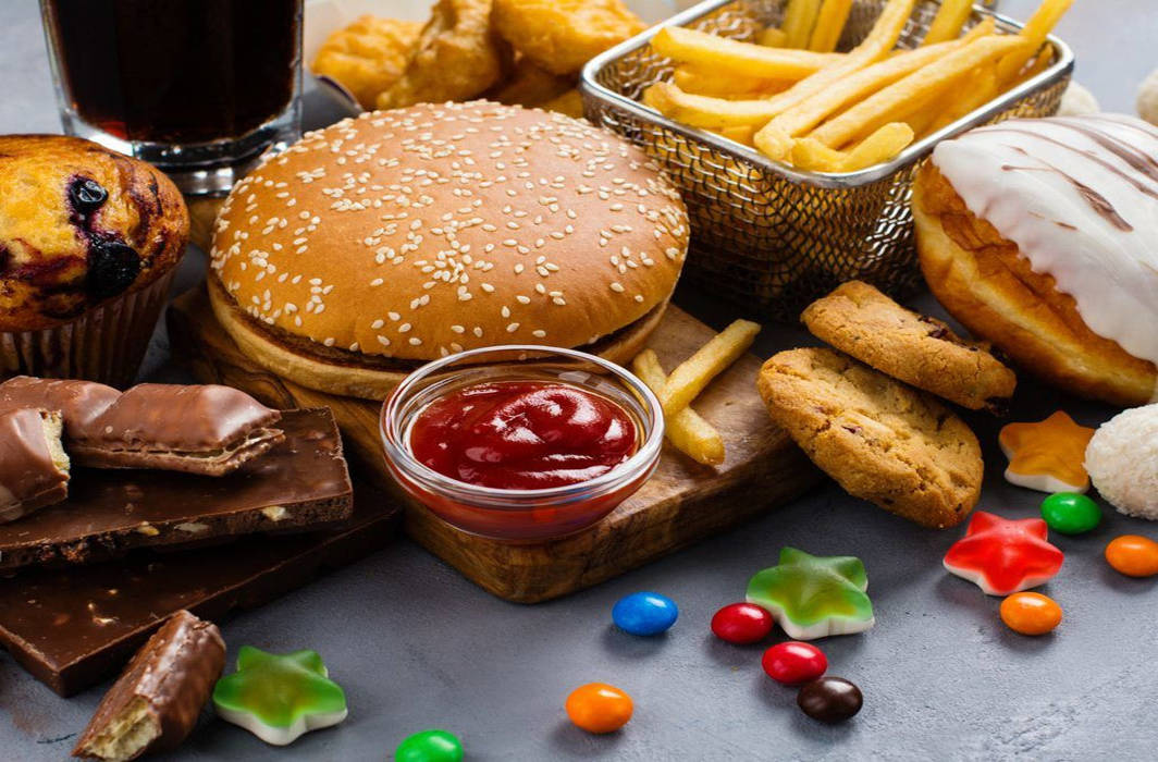 Consuming unhealthy food at workplace may increase risk of unwanted ailments: Study