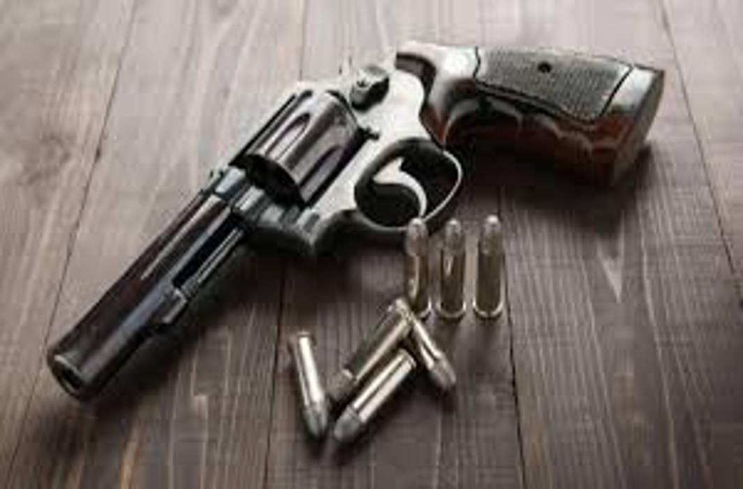 Delhi based lawyer denies organizing any formal camp in Lucknow on obtaining gun license