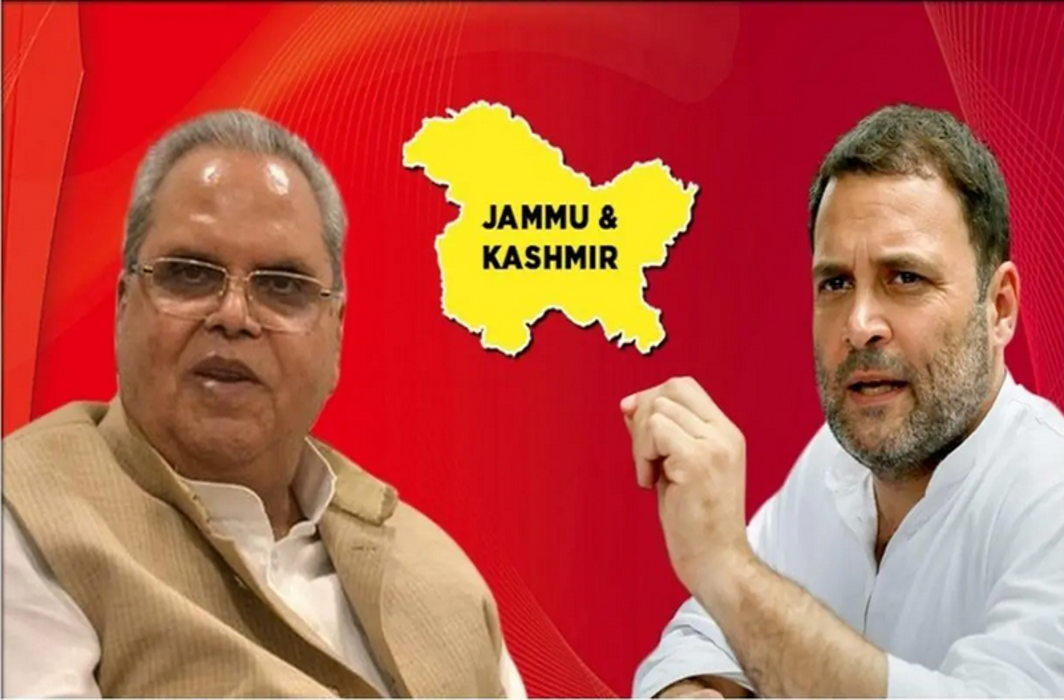 J&K: Opposition leaders sent back from Srinagar airport; had gone to see 'ground situation'