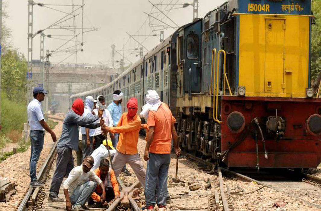 Bihar's IITian joined Railway department as Trackman in Dhanbad