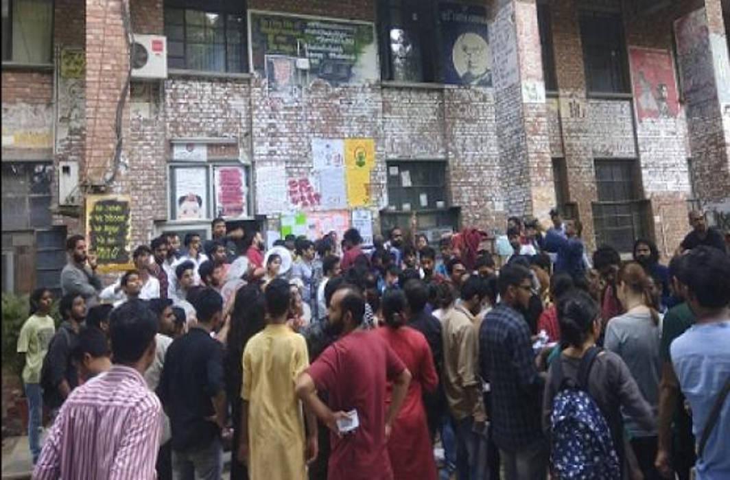JNUSU elections 2019:Counting of votes begins, result restrained till September 17