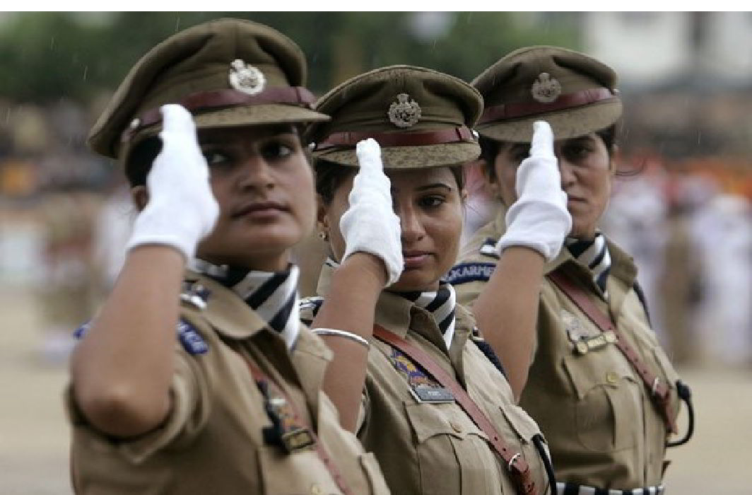Modi government has strict,2 Woman Officers have dismissed.