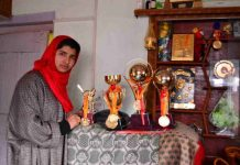Kashmir's 'Super Girl' Iqra is Virat's fan