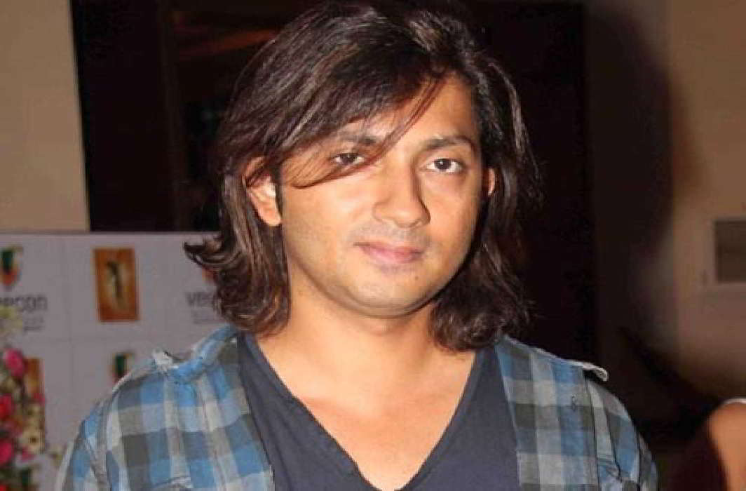 husband of farah khan has comments on cm yogi